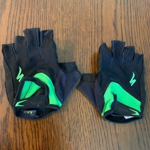 Specialized men's size medium cycling gloves